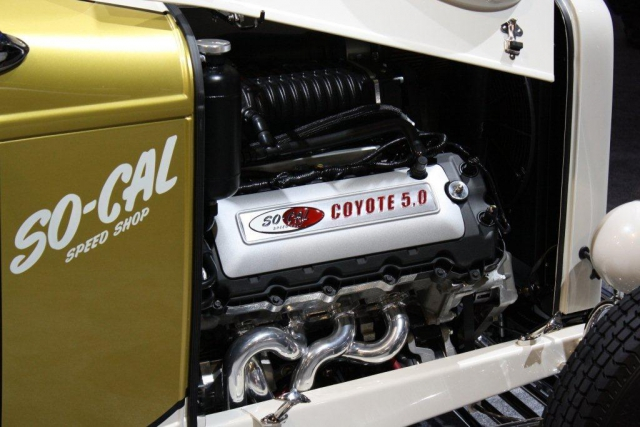 SO-CAL '32 Coyote Roadster Engine